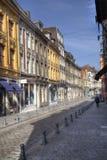 La via di Rue de la Monnaie a Lille, Francia Immagine Stock