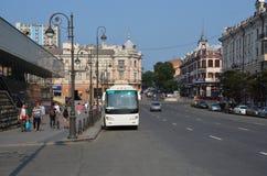La via ed il bus Fotografia Stock Libera da Diritti