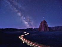 La Via Lattea sopra la valle della cattedrale Fotografie Stock