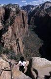 La viandante a scenico trascura Fotografie Stock