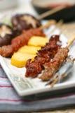 la viande délicieuse grillée préparée roule des sushi image libre de droits
