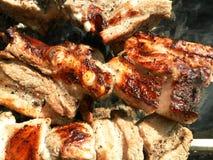 La viande sur la brochette sur le feu Photographie stock