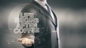 La vida comienza después tecnologías disponibles de Holding del hombre de negocios del café de las nuevas metrajes