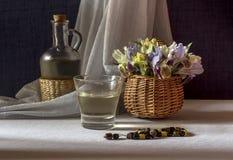 La vida inmóvil con los iris salvajes Fotografía de archivo