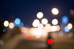 La vida nocturna de Bokeh el camino es muy hermosa Imágenes de archivo libres de regalías