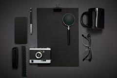 La vie, affaires, fournitures de bureau ou concept toujours d'éducation affiché Photographie stock
