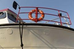 La vie bouy sur un bateau photos stock