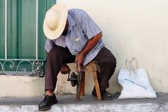 La vie dans la rue sur le Cuba photographie stock
