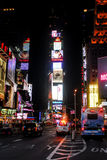 La vie de nuit dans le Times Square, New York City Photos stock