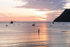 La vie de pêcheur pendant le matin Image libre de droits