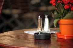 La vie de sel et de poivre toujours Photos stock