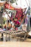 La vie de village dans un village de flottement près de Siem Reap Photos stock