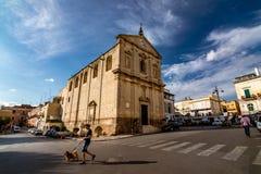 La vie de ville, jour ensoleill? d'?t? en Puglia photos libres de droits