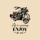 La vie est un voyage, apprécient l'affiche inspirée de tour Vector hand drawn retro bike for MC label, custom chopper store Photographie stock