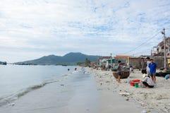 La vie et travail dans le village de pêche traditionnel, dans la partie 11 du Vietnam photo libre de droits