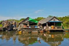 La vie sur le lac sap de Tonle au Cambodge Photographie stock libre de droits