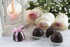 La vie toujours avec des roses et des sucreries Images libres de droits