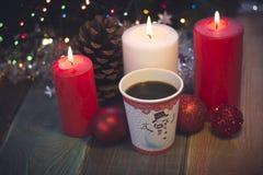 La vie toujours avec les bougies et le café images libres de droits