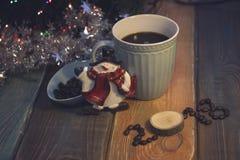 La vie toujours avec une tasse de café et une inscription 2018 Photos stock
