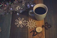 La vie toujours avec une tasse de café et une inscription 2018 Photos libres de droits