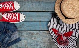 La vie toujours de divers articles pour la récréation, habillement, chapeau, mouchard Photos libres de droits