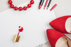 La vie toujours de la femme de mode Fond cosmétique féminin Photos stock