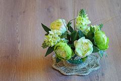 La vie toujours - fleurs dans un vase Image stock