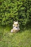 La vieille figurine de jardin images stock