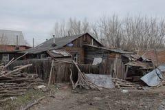 La vieille maison en bois à Omsk Photos libres de droits