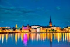 La vieille partie de Stockholm Gamla Stan pendant le coucher du soleil cr?pusculaire, Su?de photos stock