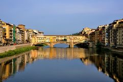 La vieille passerelle, Florence, Italie   Photo libre de droits