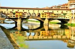 La vieille passerelle, Florence, Italie   Photographie stock