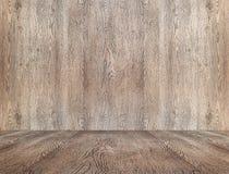 La vieille pièce en bois de perspective vide avec le mur et le plancher, raillent vers le haut du St Images stock