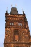 La vieille tour de passerelle de ville Photos libres de droits