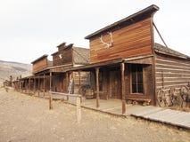 Vieux chariots dans une ville fantôme Cody, Wyoming, Etats-Unis Photos stock
