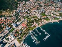 La vieille ville de Budva, tirant avec le bourdon aérien montenegro Photographie stock