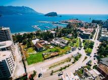La vieille ville de Budva, tirant avec le bourdon aérien montenegro Photographie stock libre de droits