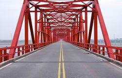 La vieja estructura del puente rojo Imagenes de archivo