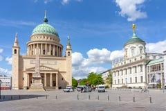 La vieja plaza del mercado altera Markt con la iglesia y ayuntamiento, Potsdam, Alemania de San Nicolás fotografía de archivo