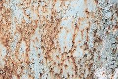 La vieja textura agrietada de la pintura con moho mancha el fondo del grunge Fotografía de archivo
