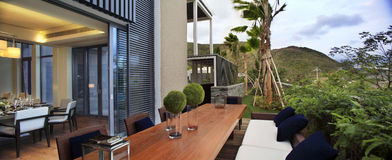 La villa avec une piscine Image libre de droits