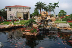 La villa de luxe de jardin Image libre de droits
