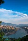 La ville à la lumière du soleil de matin Photographie stock