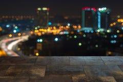 La ville brouillée a tiré montrer la grille électrique et le grand planni urbain Photos stock