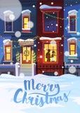 La ville d'hiver avec Noël a décoré des maisons et des couples dans l'amour illustration libre de droits
