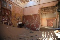 La ville d'ordinateur de secours dans Kolmanskop Images libres de droits