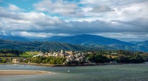 La ville de bord de la mer de Castropol Image libre de droits
