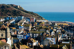 La ville de Hastings, de colline occidentale et de bord de la mer Photographie stock