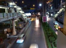 La ville de Nana à Bangkok la nuit Photographie stock libre de droits