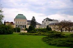 La ville de station thermale de Franzensbad avec la République Tchèque de parcs et de maisons de station thermale au printemps - photo stock